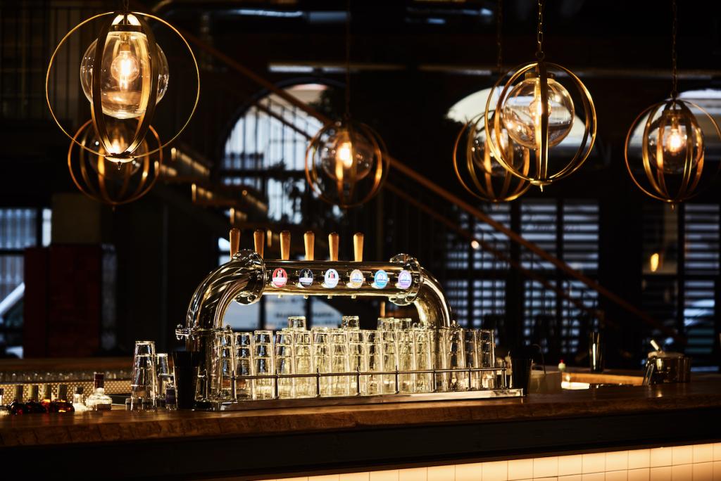 iluminacion cerveceria cruzcampo malaga